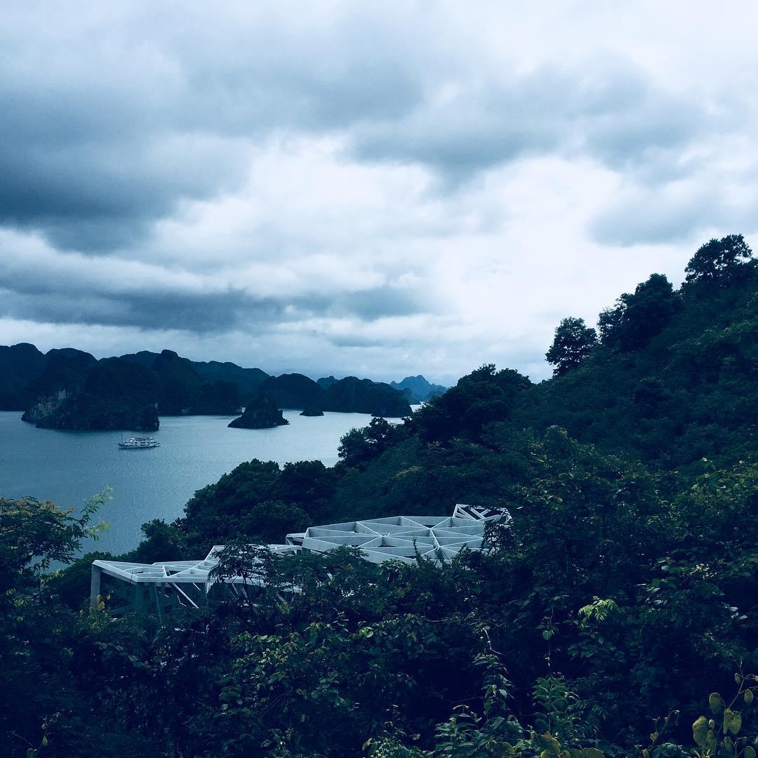 Tour Ha Long - Vẻ đẹp hoang sơ của đảo Soi Sim thu hút giới trẻ ưa khám phá